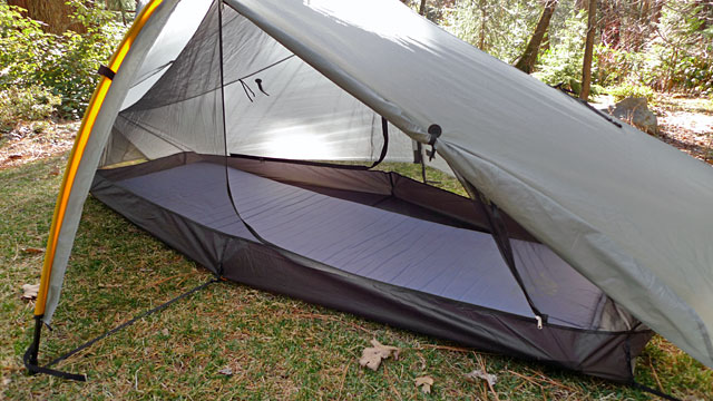 Floor fits large pad - 25in x 76in / 63.5 cm x 193 cm. & Tarptent Moment DW